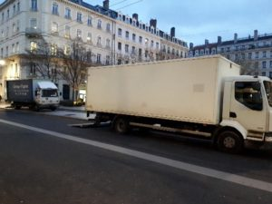 Camion rue commercial